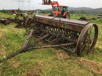 24 run 10 Wide Steel Wheel Seed Drill