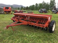 International  24 run 12 Seed Drill